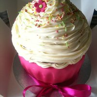 Giant Carrot Cupcake With Vanilla Frosting