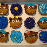 Monkey Cupcakes Monkey cupcakes - made for my nephews to sell at a fund raiser.