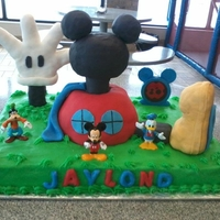Mickey Mouse Clubhouse! RKT Shoe/hand/house/head, covered in fondant 1/2 sheet cake!