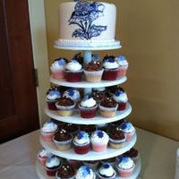 Jinaha's Wedding Cake And Cupcakes