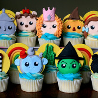 The Wizard Of Oz Cupcakes These were fun! I've posted a video tutorial on my YouTube channel on the making of the wicked witch and Dorothy if you&rsquo...