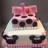 Minnie Mouse Cake   All fondant, white cake with cookies & cream buttercream frosting