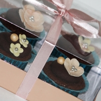 Vintage Style Chocolate Cupcakes