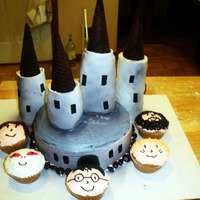 Magical Hogwarts Cake! J.K Rowling's famous cast and school!