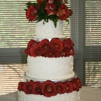 Rose Dream Strawberry cake with buttercream icing. The flowers really were beautiful on this cake.