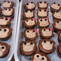 No Monkey Business Monkey Cupcake! Chocolate cupcakes with MMF made into monkeys. Made these for my friend's little girl's birthday to take to her class!