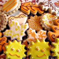 Autumn Cookies Melissa RHK's recipe with SugarDeaux's Fast Dry RI. TFL