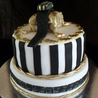 Versace Cake For Him I was asked to make a Versace cake for a guy, which already had my thoughts in a knot. what to do! so I took inspiration from Versace'...