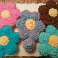 Cuppycakes Birthday cupcakes to look like flowers