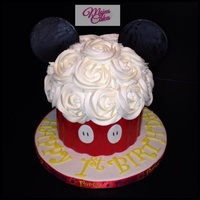 Mickey Mouse Giant 1Yrold Cupcake Mickey Mouse giant 1yr.old cupcake