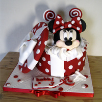 Minnie Mouse Gift Box Cake Minnies head is made form RCT