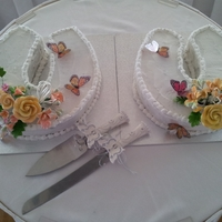 Horseshoe Wedding Cakes Wedding was at a racecourse so horseshoe wedding cakes fitted the theme along with butterflies which were released during the ceremony
