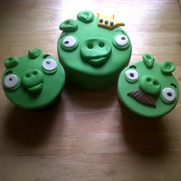 Angry Birds A sampling of 12 angry bird cupcakes. for an order today