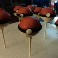 Pokemon Cakepops Found this design on the web and wanted to give it a try. Soooo easy to do! These are part one of three of the matching desserts for my...