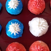 4Th Of July Red white and blue cupcakes with pull out stars