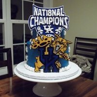 Kentucky Wildcats Cake A friend asked me to put together a KY Wildcats cake for her husband. He's a huge fan. She asked that I also do some detail about them...