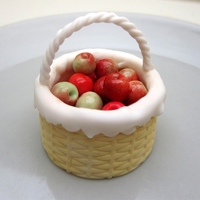 Tiny Basket With Apples Just a little basket i made for a fall theme cake :-)