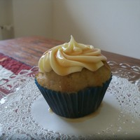 Caramel Banana Caramel Banana cupcakew with cream cheese frosting