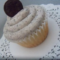 Cookies And Cream Cupcake Vanilla cupcake with Oreo Buttercream