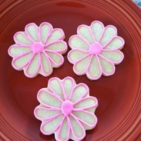 Flower Sugar Cookies this is a sugar cookie simply iced with RI.