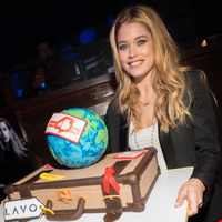 3D Cakes 3D suitcase and globe cake for World AIDS Day with Dutzen Kroes at LAVO NYC