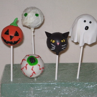 Halloween Cake Pops These are pumpkin spice cake pops made from my babycakes machine. Coated in vanilla candy melts and decorated into a jack-o-lantern,...