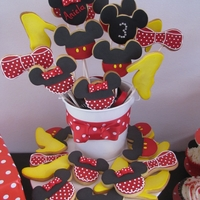 Minnie & Mickey Cookie Bouquet Cookie bouquet for my daughter's 3rd birthday.
