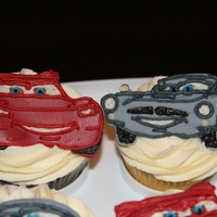Lightning Mcqueen & Finn Mcmissile Cupcakes Vanilla cupcakes with Special Buttercream from here on CC and fondant cutouts decorated with bc!