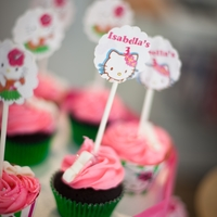 Hello Kitty   Hello Kitty cupcakes and cake