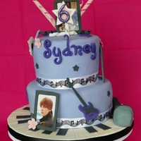 Justin Bieber Cake This was inspired by a few different CC cakes. TFL!
