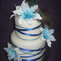 Jody A peacock themed wedding cake