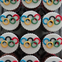 Olympic Ring Cupcakes   simple and cute