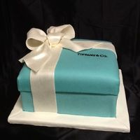 Tiffany Amp Co Box Cake Bow Is Gumpaste   Tiffany & Co. Box cake. Bow is gumpaste.