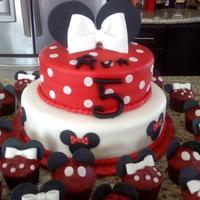 Minnie Mouse Birthday Cake & Mickey/minnie Mouse Cupcakes!