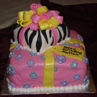 Birthday Gift This was a birthday cake for a friend's daughter who was turning 11. I've been wanting a reason to try out the zebra pattern...