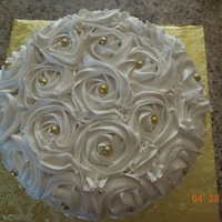 Romantic Roses piped roses in buttercream, simple but lovely.