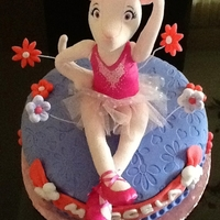 Angelina Ballerina cake for a little girl, Angelina is a plush toy provided by the customer. I had so much fun doing it, thanks for looking!