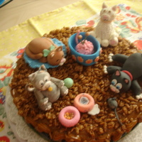 Cats Party The cake is a icing,with fondant the figures