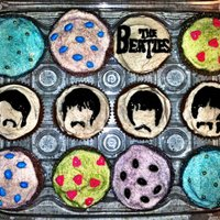 The Beatles Theme Cupcakes  These are Spice Cake cupcakes with Cinnamon Cream Cheese Frosting, and sprinkle accents. Made these for my friends birthday. I wish I could...