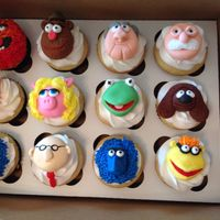 Muppet Cupcakes Miss Piggy looks too pink...she did fade though