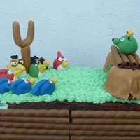 Angry Birds Birthday cake for my husband, who is a fun for Angry Birds!