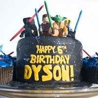 Lego Star Wars Cake And Cupcakes Lego Star Wars cake and cupcakes