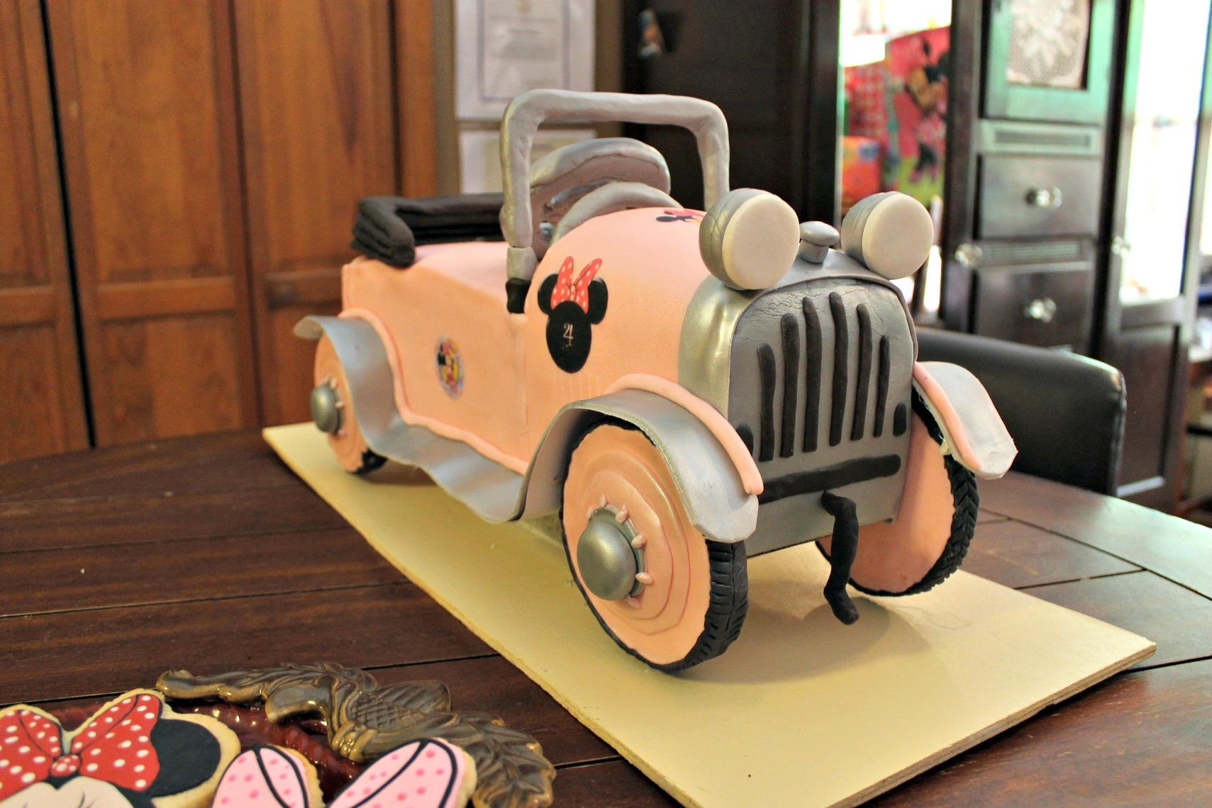 Minnie Mouse Pedal Car Birthday Cake Minnie Mouse pedal car birthday cake