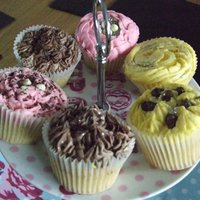 Teatime Treat   Strawberry, Chocolate & Lemon Cupcakes