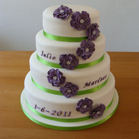 Sparkling Wedding Cake In White, Green And Purple