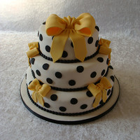 Wedding Cake With Yellow Bows The first wedding cake I made.