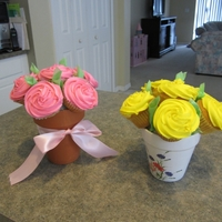 Cupcake Bouquet   for Teacher's Appreciation day! First try!