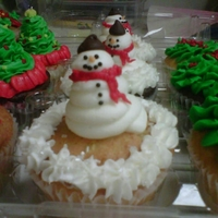 Frosty Cupcakes All bc with chocolate chip hat
