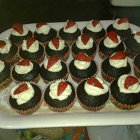 Chocolate Cupcakes With White Butter Frosting And Strawberry Well, This is the fist ever Chocolate Cupcakes i have ever made, It was too plain that i decided to make some butter frosting, however, i...