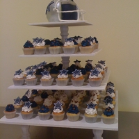 Cowboys Helmet And Cupcake Tower   Cowboys Helmet Cake and cupcakes